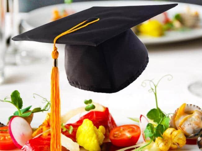 Geslaagd voor je examen? Kom het vieren bij restaurant de Eetvilla in Soest.
