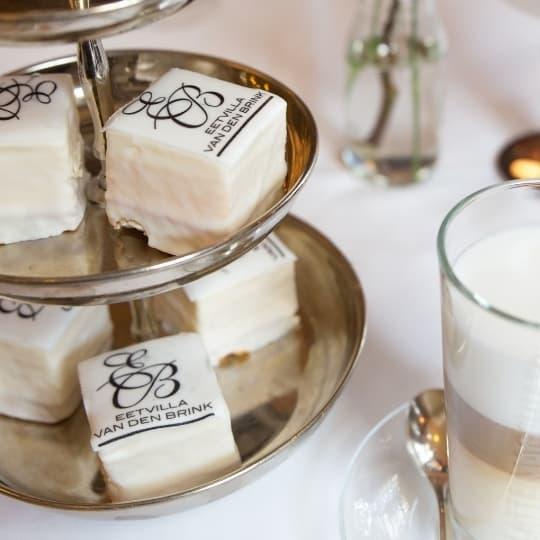 Ben je gek op heerlijke zoete hapjes, amuses en andere lekkernijen? Dan is een high tea in Soest bij de Eetvilla iets voor jou!