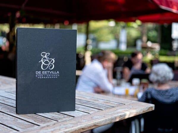 De menukaart van restaurant de Eetvilla in Soest heeft voor ieder wat wils.
