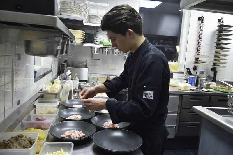 Werken bij restaurant de Eetvilla in Soest. De Eetvilla is gelegen in centraal Nederland en beschikt over een keuken van nu met moderne invloeden en een hecht team.