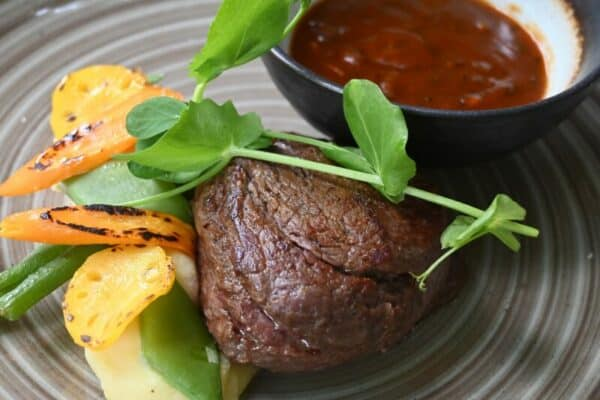 Biefstukken drive-in restaurant de Eetvilla in Soest.